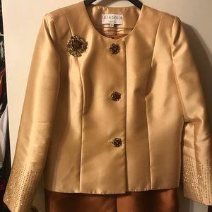 2pc suit very dressy
